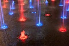 Gekleurde rode blu en violette fontein Royalty-vrije Stock Afbeeldingen