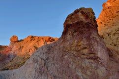 Gekleurde rotsen van Yeruham-canion, Midden-Oosten, Israël, Negev deset stock foto
