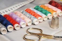 Gekleurde spoelen Stock Afbeeldingen