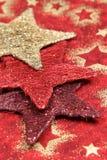 Gekleurde sterren op de achtergrond van Kerstmis Stock Afbeelding