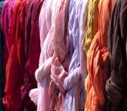 Gekleurde stof Stock Afbeeldingen