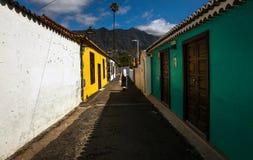 Gekleurde straten en stegen van de oude stad van Los Llanos DE Ariadne royalty-vrije stock afbeelding