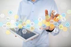 Gekleurde toepassingenpictogrammen en grafieken op het virtuele scherm Bedrijfs concept royalty-vrije stock afbeelding