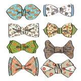 Gekleurde vlinderdas met eenvoudig patroon Retro manier Stock Afbeelding