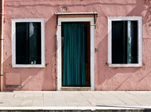 Gekleurde voorgevel in Burano Royalty-vrije Stock Afbeeldingen