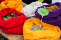 Gekleurde zakken met kruiden royalty-vrije stock foto
