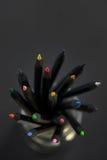 Gekleurde zwarte potloden Royalty-vrije Stock Foto