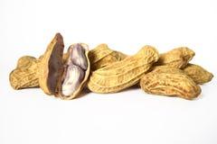 Gekochte Erdnüsse sind ein Oberteil, zum der Samen nach innen zu zeigen Lizenzfreie Stockfotos