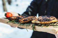 Gekochte Steaks vom Fleisch Stockfotos