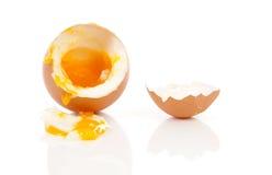 Gekochtes Ei, das unten fällt Lizenzfreies Stockbild