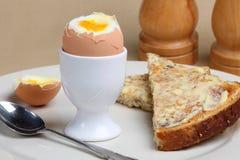 Gekochtes Ei u. Toast Lizenzfreies Stockbild