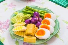 Gekochtes Gemüse, gekochte Eier Stockfoto