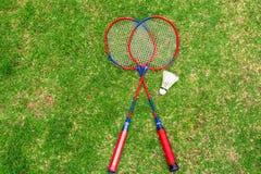 Gekommen, mit dem Spielen von Badminton zu trainieren Stockbilder