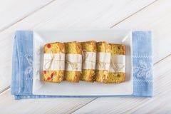Gekonfijte vruchtencake voor ontbijt Stock Afbeeldingen