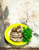 Gekookt rundvlees met peterselie stock afbeelding