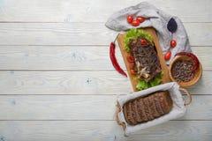 Gekookt vlees met ingredi?nten stock foto