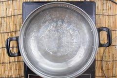 Gekookt water in pot Stock Foto's