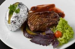 Gekookte biefstuk royalty-vrije stock afbeelding