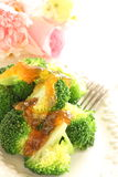 Gekookte broccoli en geleivulling stock foto