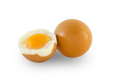 Gekookte die eieren op witte achtergrond worden geïsoleerd Royalty-vrije Stock Foto's