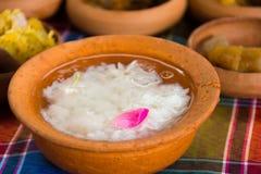 Gekookte die rijst in jasmijn-bemerkt bevroren water wordt doorweekt Royalty-vrije Stock Afbeelding