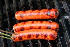 Gekookte hotdogs op de grill Royalty-vrije Stock Fotografie