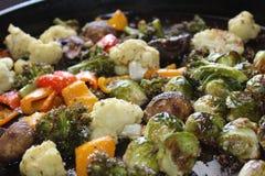 Gekookte spruitjes, bloemkool, paddestoelen en broccoli Royalty-vrije Stock Foto's