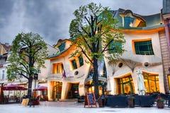 Gekrümmtes Haus Stockfotografie