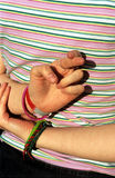 Gekreuzte Finger, gutes Glück. Lizenzfreie Stockbilder