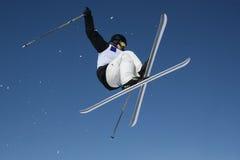 Gekreuzte Skis Stockbild