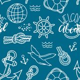 Gekritzelhandgezogene nahtlose Musternautischillustration mit Knoten Rettungsring und an Bord beschriften Willkommen lizenzfreie stockfotos