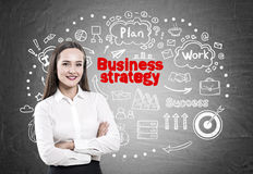 Gekruist wapensvrouw en businessplan op grijze achtergrond Royalty-vrije Stock Fotografie