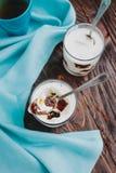 Gelée au lait avec du café image libre de droits
