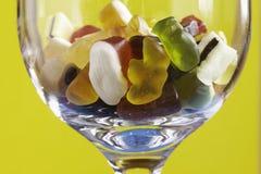 Gelée colorée fraîche dans la glace avec le fruit photo stock
