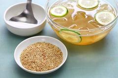 Gelée d'aiyu et graines faites maison d'aiyu images stock