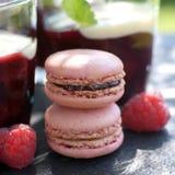 Gelée de fruit rouge, macarons photographie stock