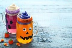 Gelée de Halloween dans des pots en verre image libre de droits