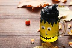 Gelée de Halloween dans le pot en verre photos libres de droits