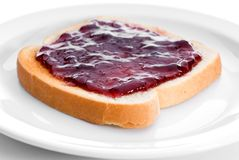 Gelée savoureuse sur le pain grillé photos libres de droits
