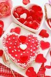 Gelétårtan i hjärta formar för valentiner Arkivbild