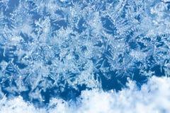 Gel de glace d'hiver, fond congelé textur givré de verre de fenêtre Photographie stock