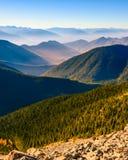Gelaagd Berglandschap van Pedley-Pas, Brits Colombia, Canada royalty-vrije stock afbeeldingen