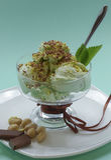 Gelado com pistache e chocolate Foto de Stock Royalty Free
