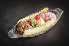 Gelado de split de banana Fotos de Stock Royalty Free