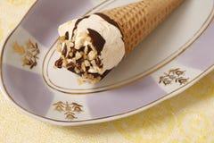 Gelado do cone do waffle Imagens de Stock Royalty Free