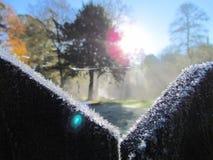 Gelado-porta-inverno-natureza-por do sol-fundo imagem de stock royalty free