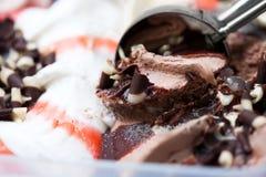 Gelado saboroso com chocolate fotografia de stock