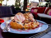Gelado tentador do waffle Fotografia de Stock