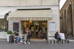 Gelateria Il Castello i Rimini, Italien Arkivfoton