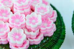 Gelatina nella forma del fiore - dessert tradizionale tailandese del latte di cocco Fotografia Stock